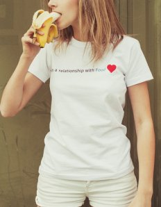 Dámské tričko s potiskem – In relationship with food