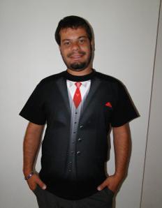 Pánské tričko s potiskem – Proč kupovat oblek