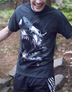 Pánské tričko se zvířecím potiskem (the mountain) Breakthrough Shark